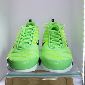 Nike Air Max Plus Se AR0491 300 SIZE 7Y